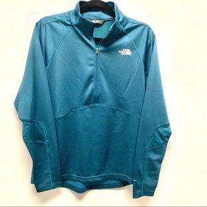 The North Face Women's lightweight pullover
